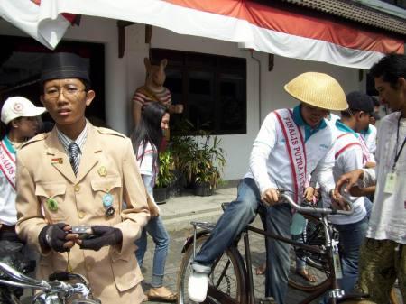 mas...caranya nggenjot sepeda gimana seeeehh??